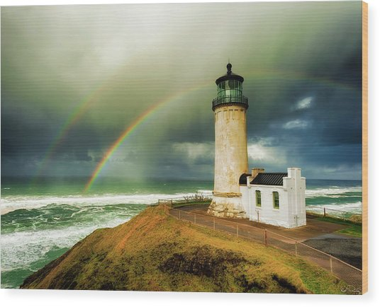Double Rainbow At North Head Lighthouse Wood Print