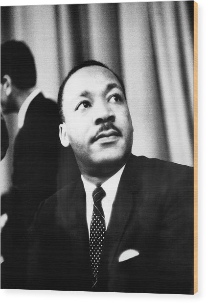 Dr. King Speaks To Local 1202 Wood Print by Fred W. McDarrah