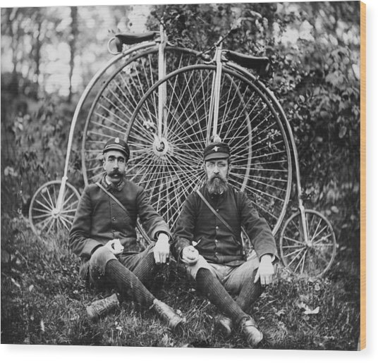 Early Bicyclists Taking A Break By Wood Print by Bettmann