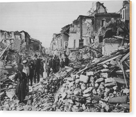 Earthquake Rubble Wood Print by Hulton Archive