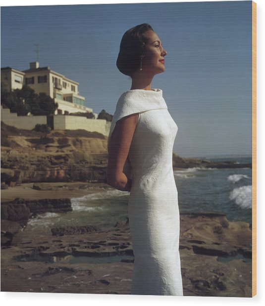 Elegance On The Beach Wood Print by Slim Aarons