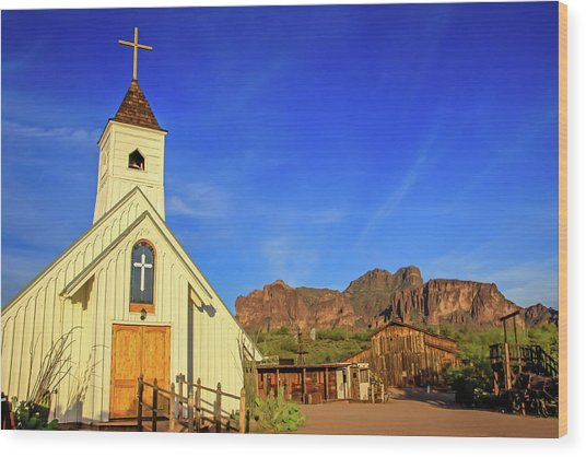 Elvis Chapel At Apacheland, Superstition Mountains Wood Print