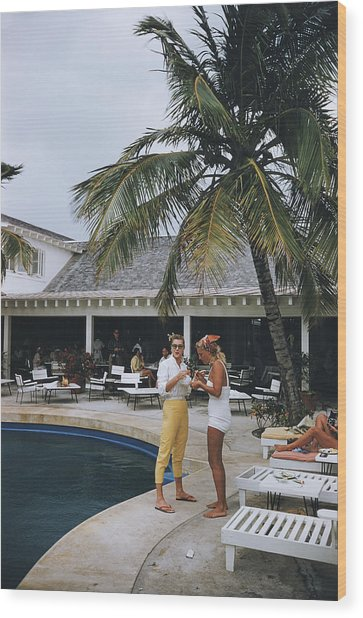 Esther Williams By The Pool Wood Print by Slim Aarons
