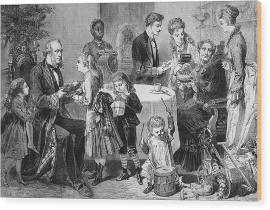 Family Christmas Wood Print by Hulton Archive