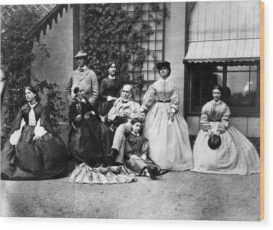 Family Portrait Wood Print by Hulton Archive