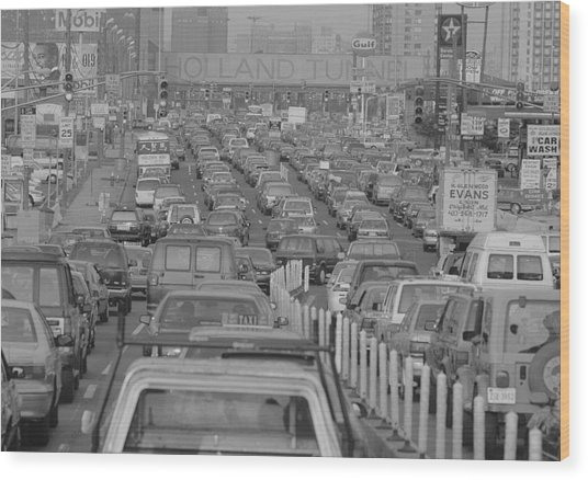 Fathers Day Traffic At The Holland Wood Print by New York Daily News Archive
