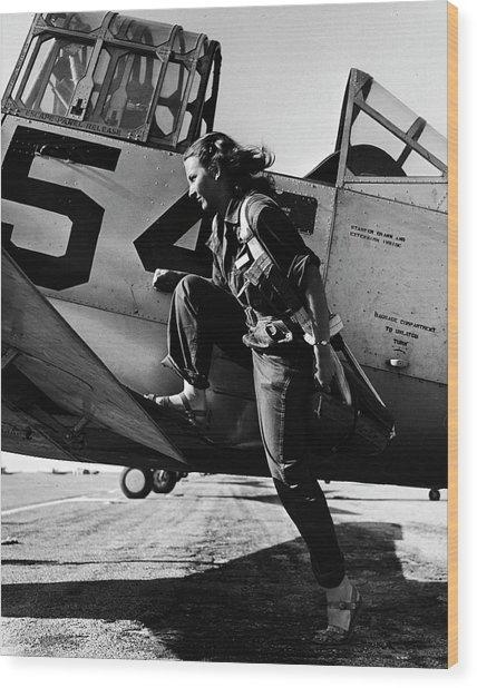 Female Pilot Of The Us Womens Air Force Wood Print