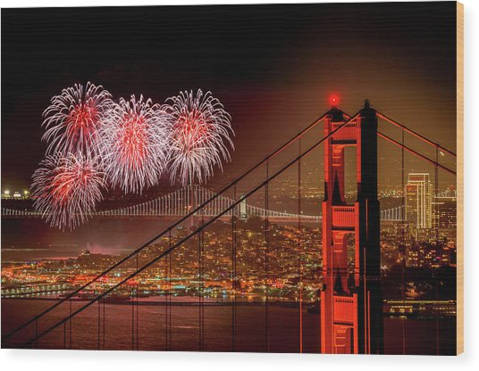 Firework At San Francisco, California Wood Print by Spondylolithesis