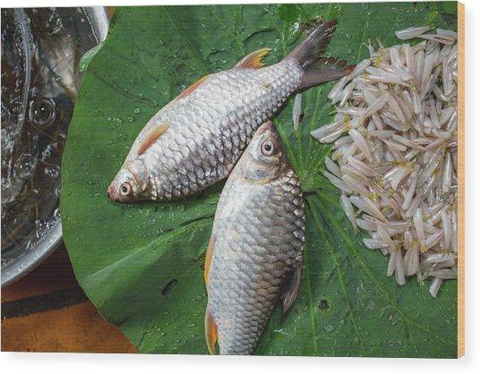 Fish At The Market Wood Print