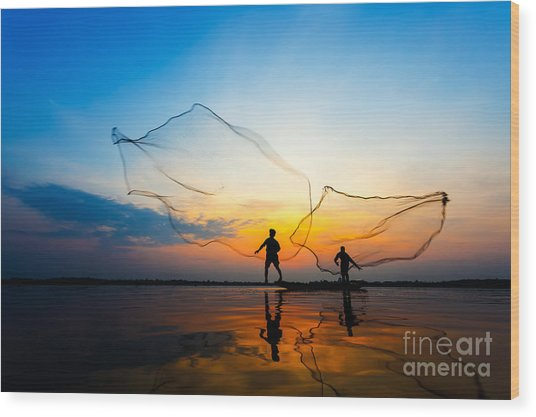 Fishermans In Action When Fishing At Wood Print by Twstock