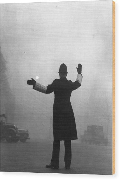 Fog Police Wood Print by Hulton Archive