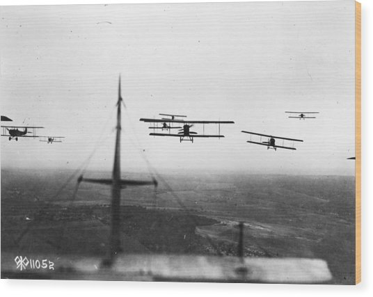 Formation Flying Wood Print by Hulton Archive