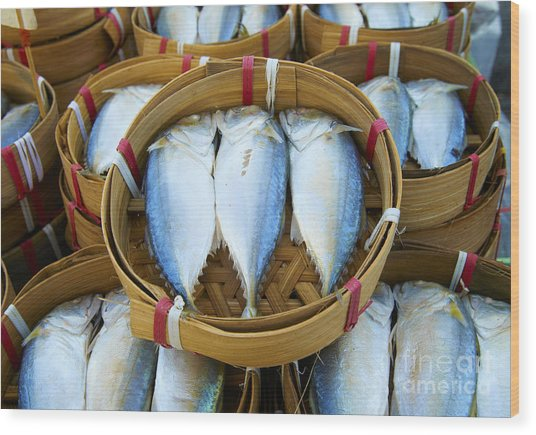 Fresh Fish In Baskets On Bangkok Street Wood Print