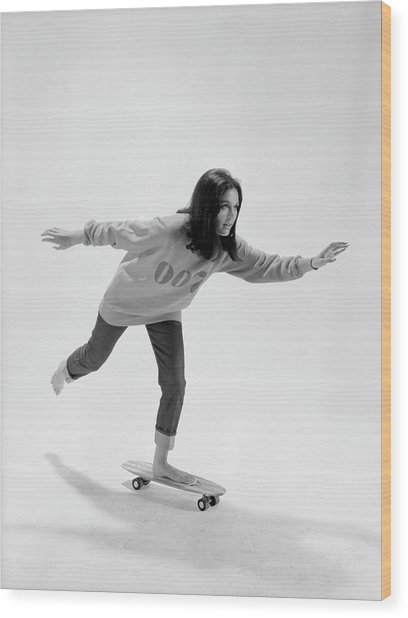 Gloria Steinem On A Skateboard Wood Print