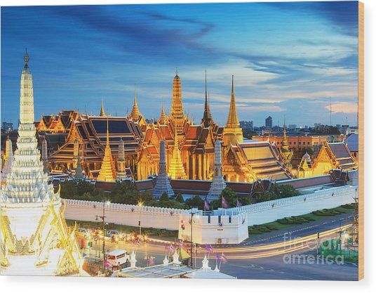 Grand Palace And Wat Phra Keaw At Wood Print by Southerntraveler