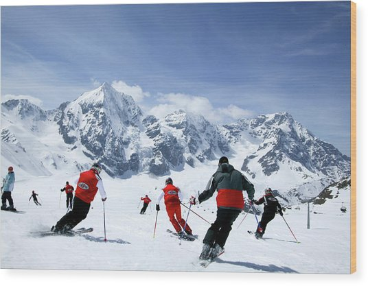 Group Of Skiers On The Slope, Ortler Wood Print