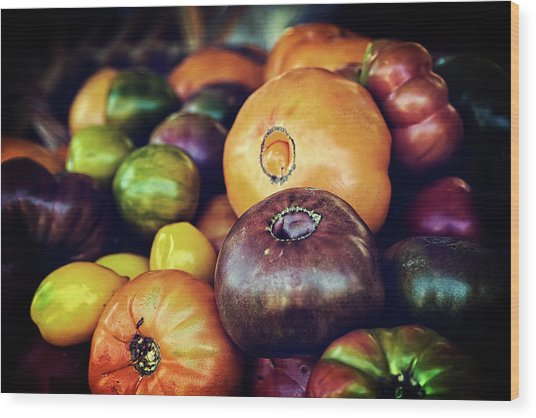 Heirloom Tomatoes At The Farmers Market Wood Print