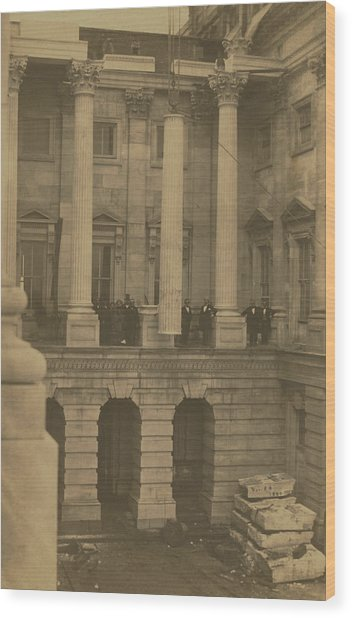 Hoisting Final Marble Column At United States Capitol Wood Print