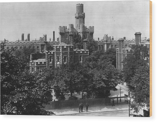 Holloway Prison Wood Print by Hulton Archive