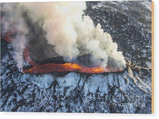 Icelandic Volcano Eruption Wood Print