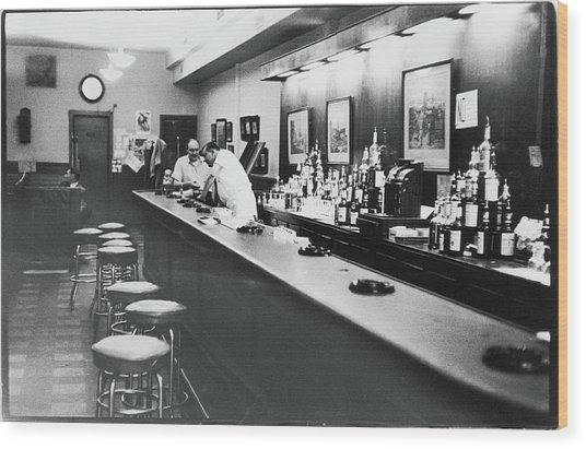 Inside The Cedar Street Tavern Wood Print