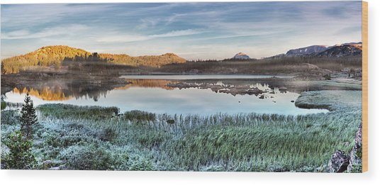 Island Lake Sunrise Wood Print by Leland D Howard