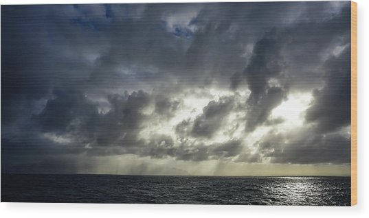 Kauai Coast In Stormy Weather Wood Print