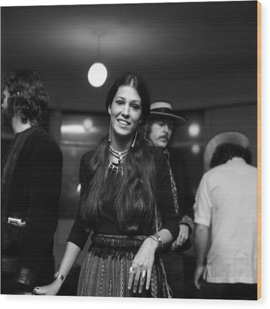 Kris Kristofferson And Rita Coolidge At Wood Print