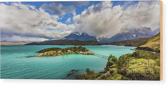 Lago Pehoe, Chile Wood Print