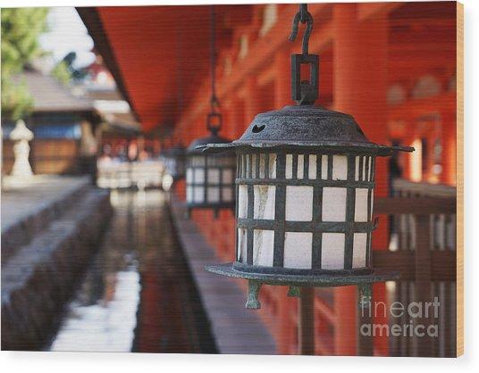 Lanterns In Itsukushima Shrine Wood Print