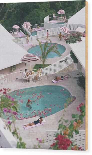 Las Brisas Hotel Wood Print