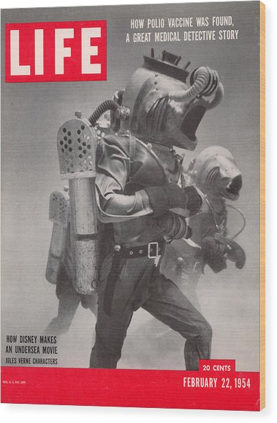 Life Cover 02-22-1954 Underwater Shot Wood Print