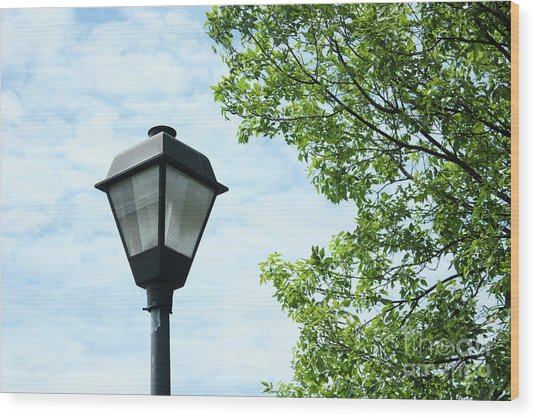 Light Pole In The Sky Wood Print