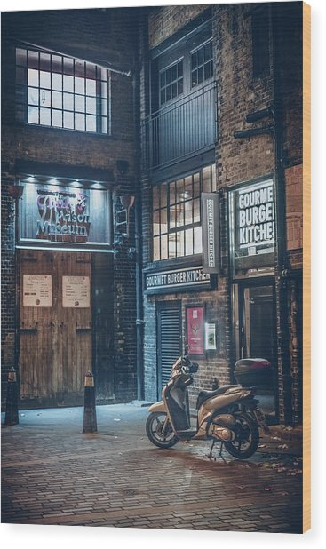 London Foggy Corners Wood Print