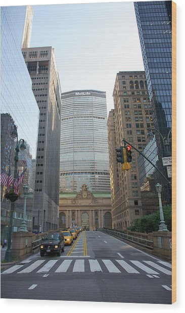 Lower Park Avenue, Grand Central Wood Print by Barry Winiker