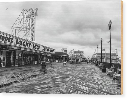 Lucky Leo's Seaside Heights Wood Print