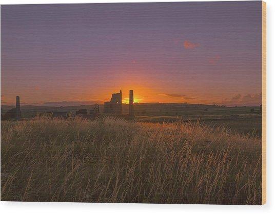 Magpie Mine Sunset Wood Print