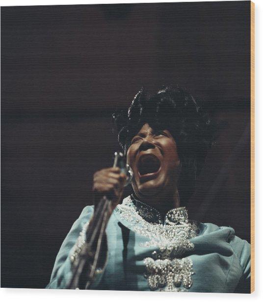 Mahalia Jackson In Concert Wood Print by David Redfern