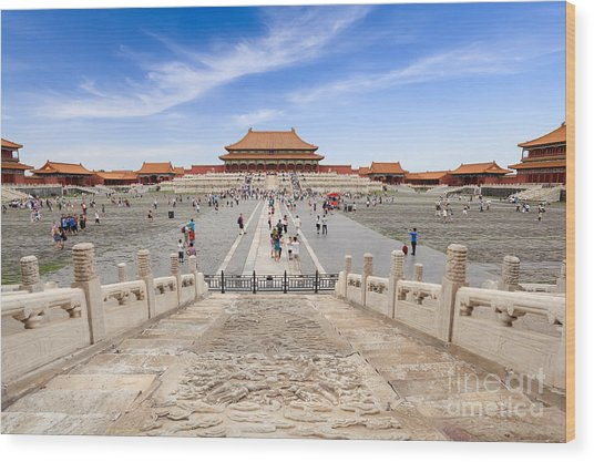 Many Tourists In The Forbidden City Wood Print