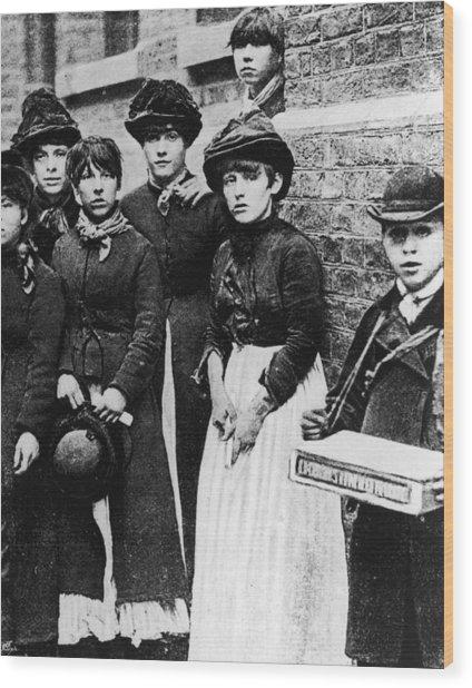 Match Girls Wood Print by Hulton Archive