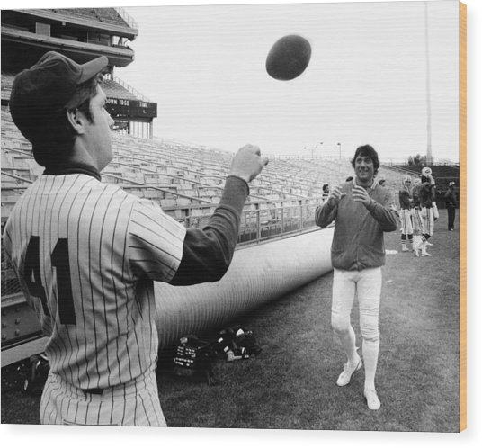 Mets Tom Seaver Warms Up Jets Joe Wood Print by New York Daily News Archive