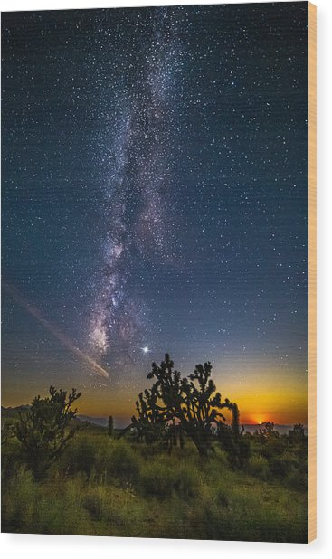 Milky Way Moonset Wood Print by Matt Deifer