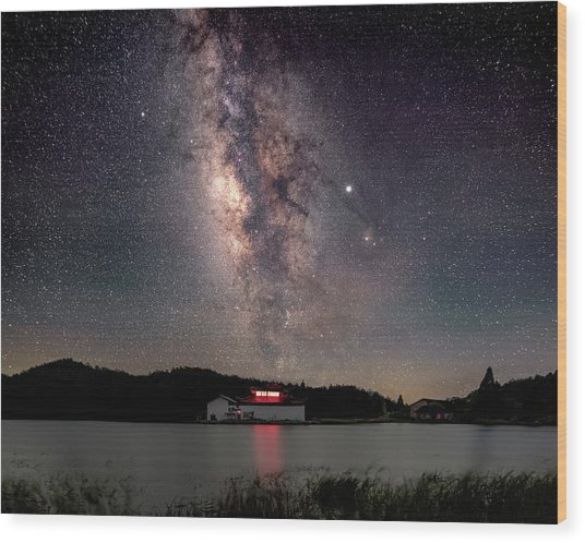 Milky Way Over The Tianping Mountain Lake Temple Wood Print