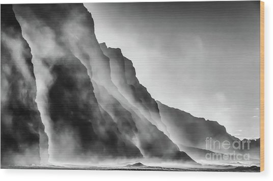 Mist On The Rocks Wood Print