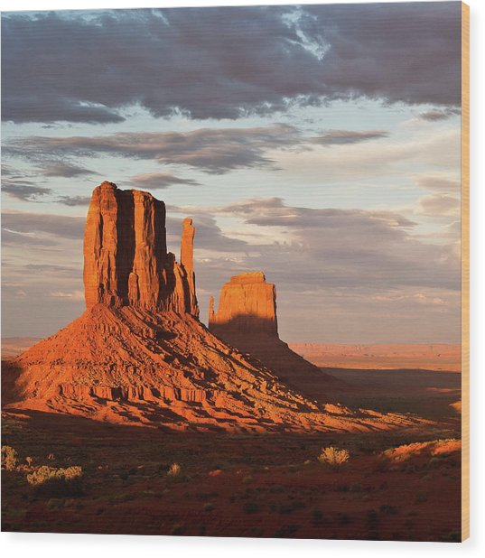 Mittens Of Monument Valley Wood Print