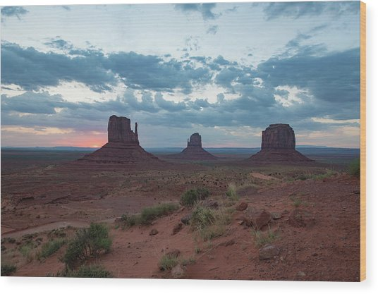 Monument Valley Before Sunrise Wood Print