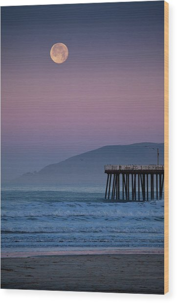 Moonset At Pismo Beach Wood Print by Mimi Ditchie Photography