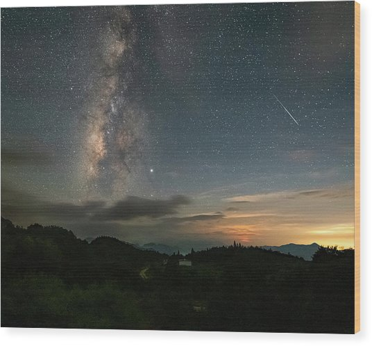 Moonset Milky Way And Shooting Star Wood Print