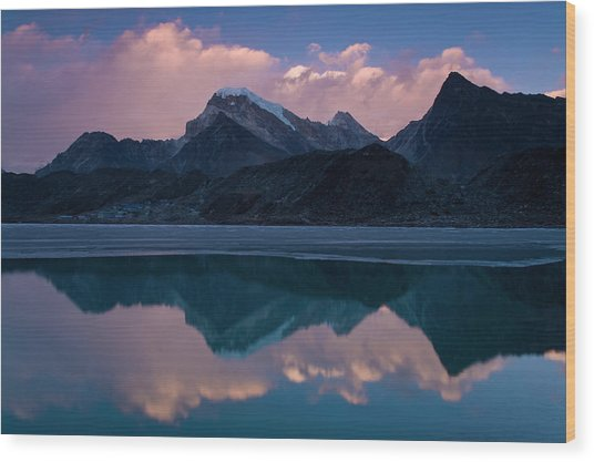 Mountains Reflected In Still Rural Lake Wood Print by Cultura Exclusive/ben Pipe Photography