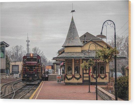 New Hope Train Station At Christmas Wood Print